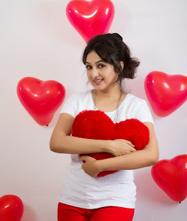 Aavasna cute malyalam beauty celeberating Valentines Day 2015 Cute Beauty
