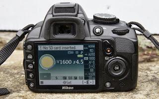 Nikon D3100 Lensa Kit ED II 18-55 mm