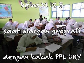 kenangan foto bersama kelas XI IPS B SMA Muhamadiyah Borobudur dengan ppl UMP