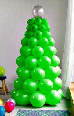 Enfeites de Natal. árvore de Natal de bexigas