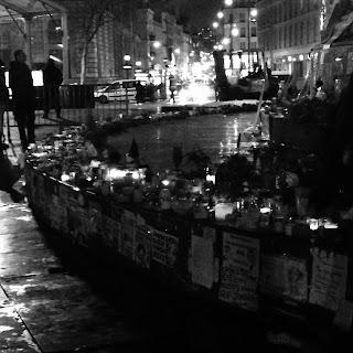 hommage aux victimes place de la republique paris