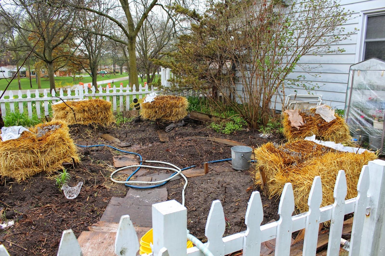 Daft Garden: Garden Math: Straw Bales + Mandala Configuration + ...