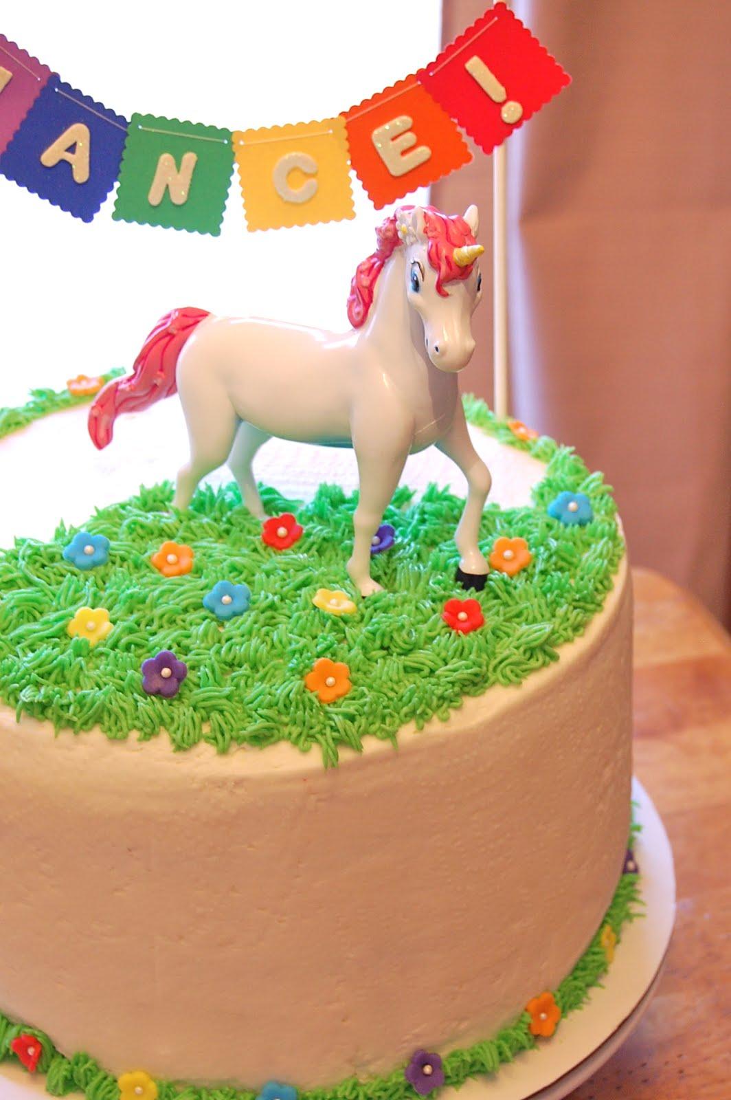Chef Mommy: Rainbow (and Unicorn) Cake