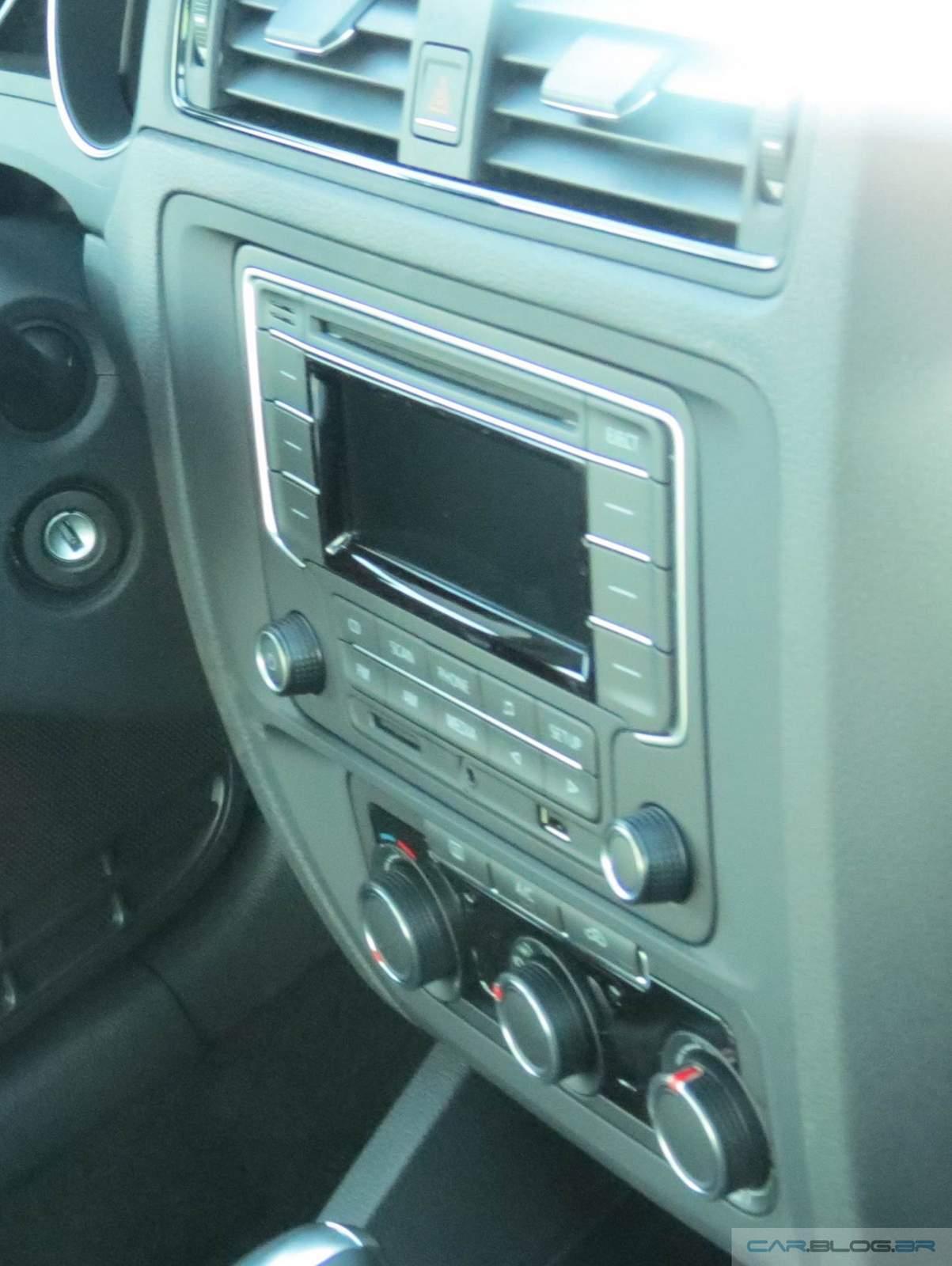 Novo VW Jetta 2015 Trendline - sistema de som