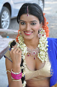 Manisha singh new sizzling pics-thumbnail-3