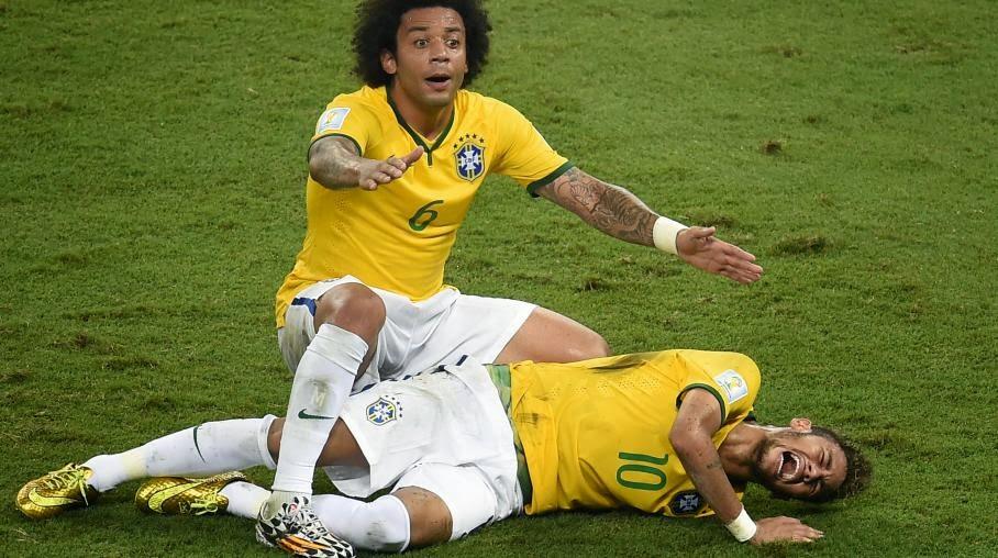 اتحاد الكرة البرازيلي يشكو 3 أطباء بسبب نيمار