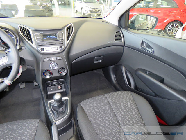 Hyundai HB20 2016 1.0 Comfort Plus - interior