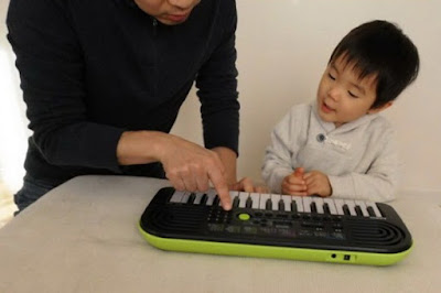 dan mini keyboard Casio SA-46 danh cho tre em