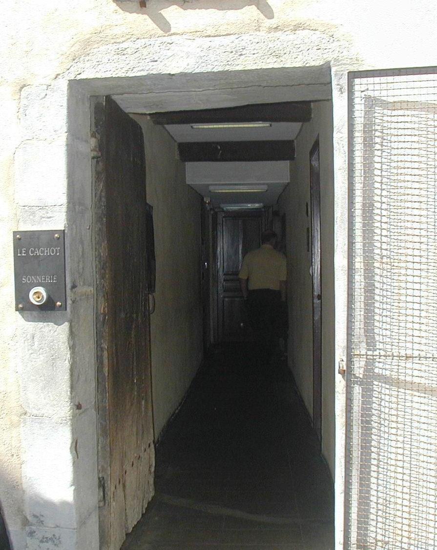Entrada da cela onde morava a família Soubirous
