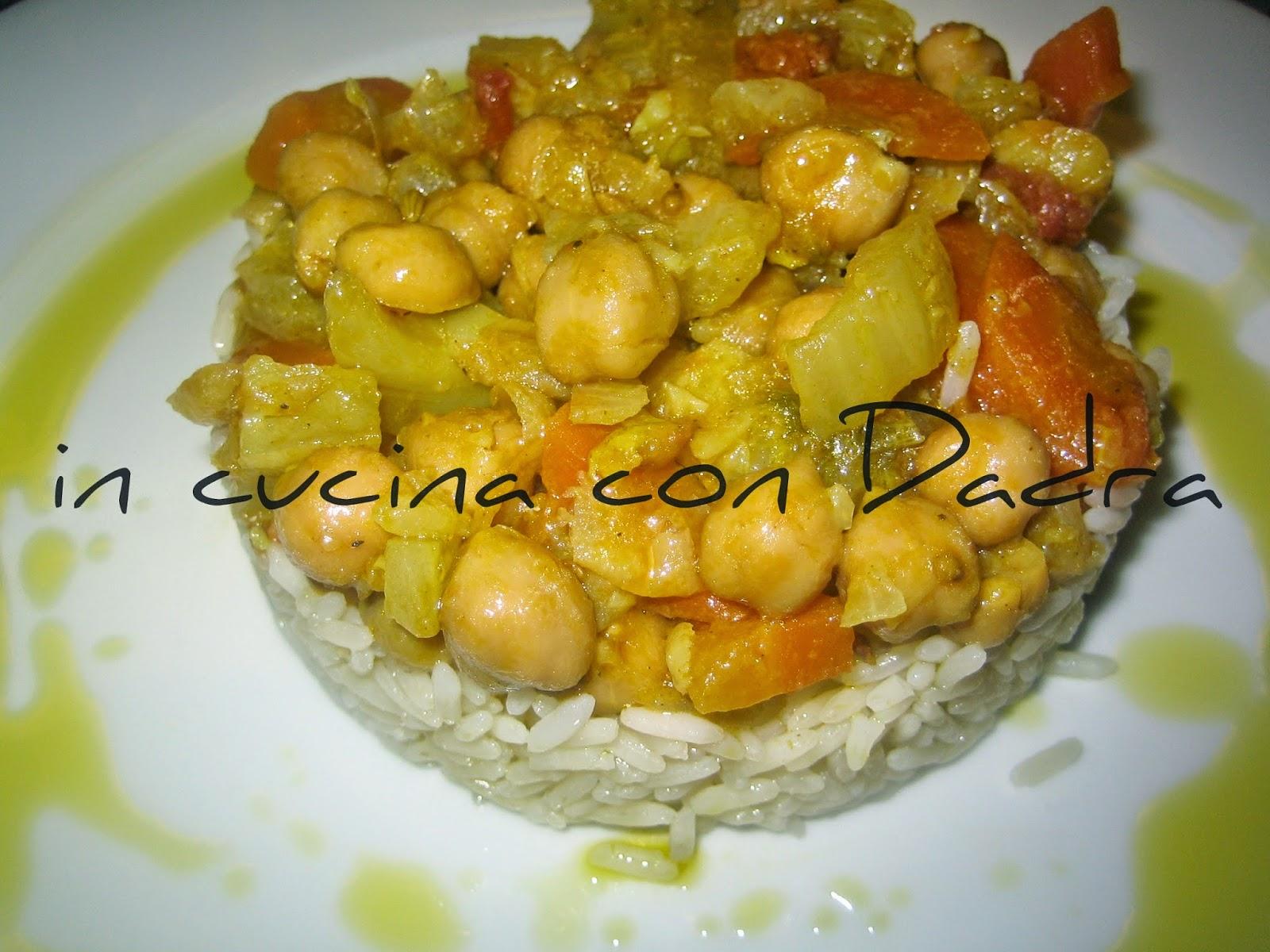 sformatino di riso con curry di ceci, perfetto per celiaci e vegani!