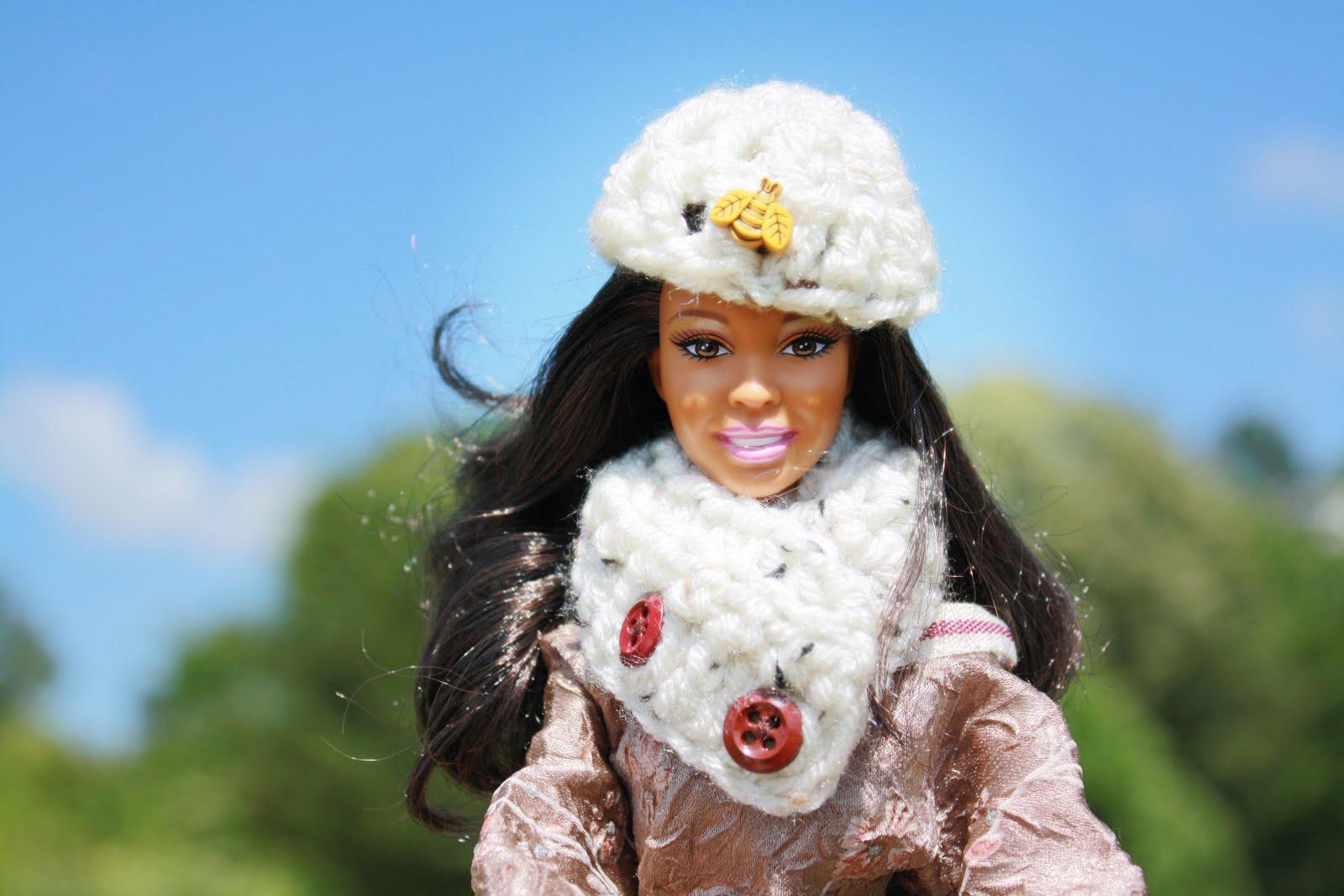 Barbie Hat & Cowl Set