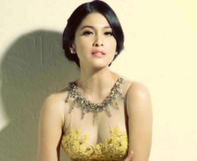 Indonesian model videos pics 4