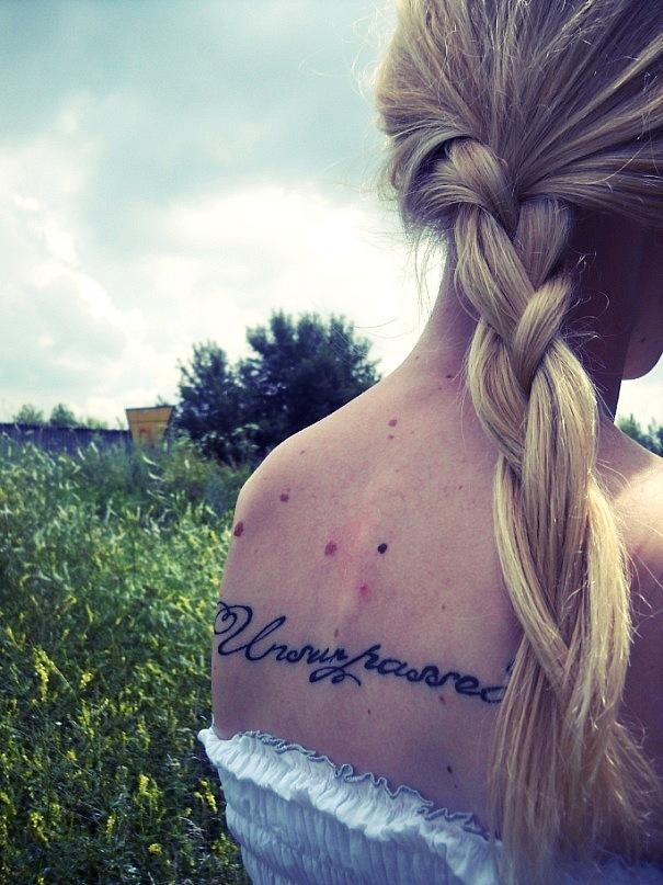 Женские татуировки стильные и красивые надписи