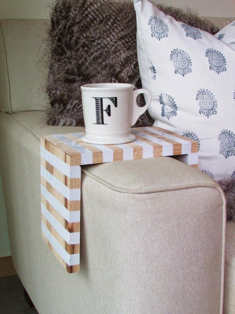 Sofa-Butler zum Selbermachen – beste Alternative zum Couchtisch bzw. Beistelltisch vor der Couch
