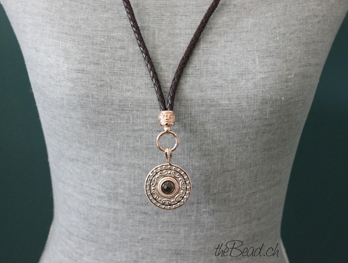 lederhalskette aus geflochtenem Leder mit passendem Kettenanhänger 925 Silber rosevergoldet und Rauchquarz Stein
