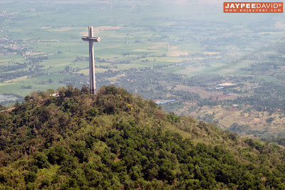 Cessna, 172, Aerial view, Mt Samat National Shrine, Dambana ng Kagitingan, Bataan, Naval Aviator Training Squadron NATS, Naval Air Group, Philippine Navy, Sangley Point Naval Air Base, Cavite, Britten-Norman Islander