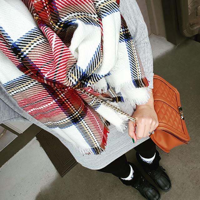 Pink Rose Sweater (similar) // Forever 21 Leggings - only $4! // Merona Scarf - on sale for $14! // Nine West Duck Boots (similar) // Rebecca Minkoff Handbag (similar for $25) // Burton Socks (similar)