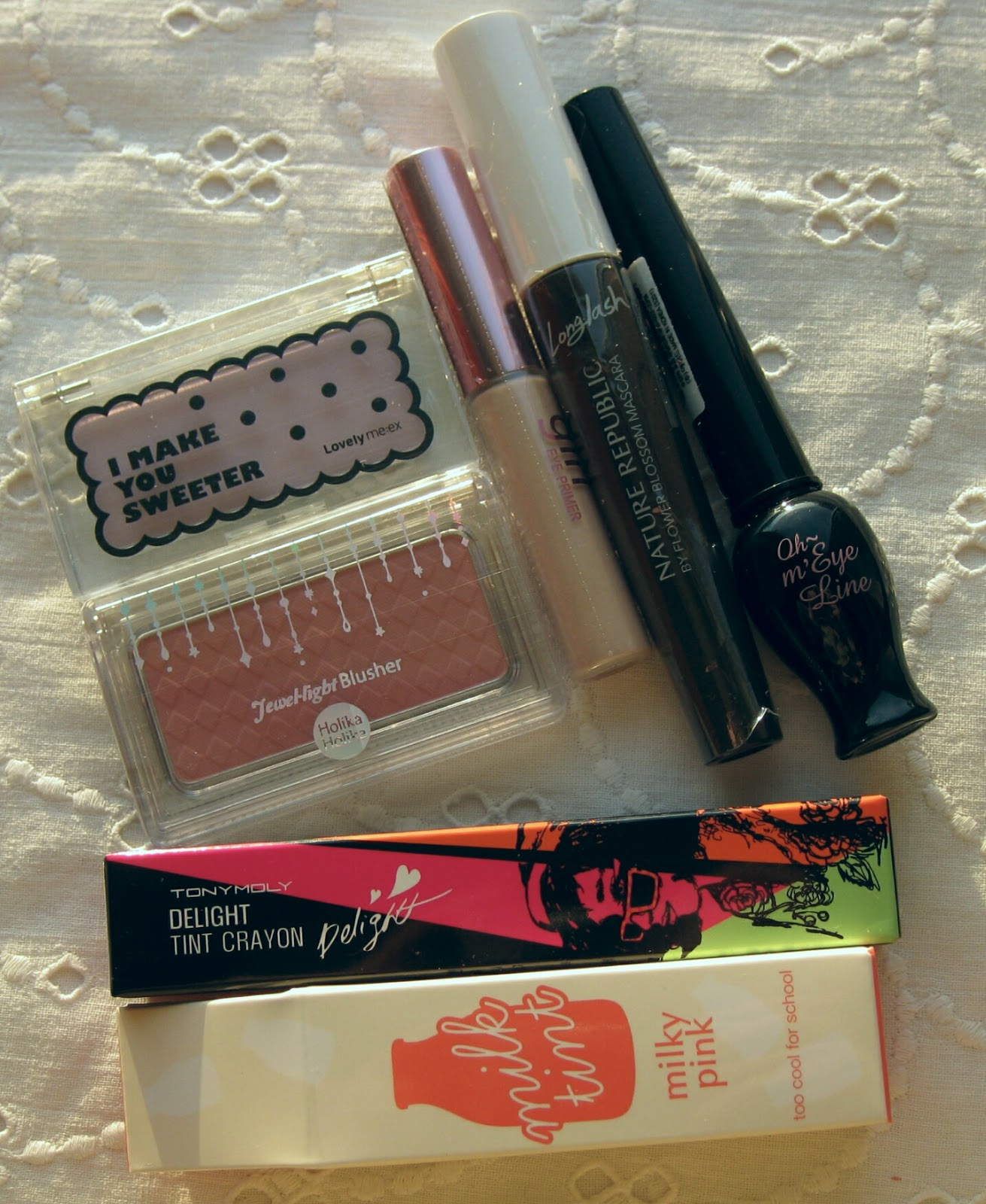 TONYMOLY Delight Tint Crayon, ETUDE HOUSE Oh my line eyeliner, HOLIKAHOLIKA Jewel light Blusher