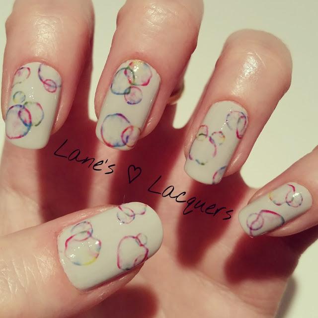 40-great-nail-art-ideas-grey-colour-circles-manicure (1)