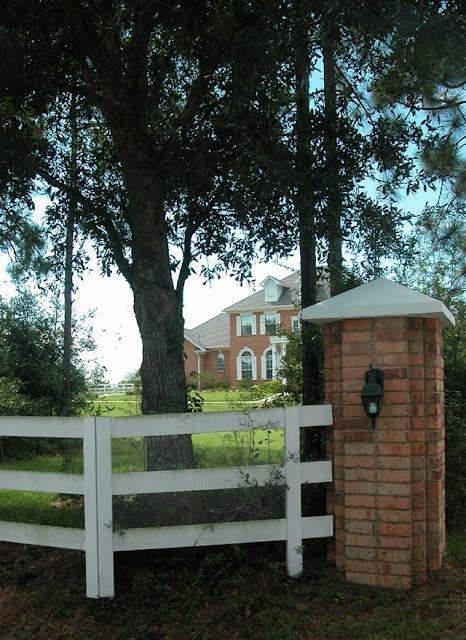 Brick Driveway Entrances8