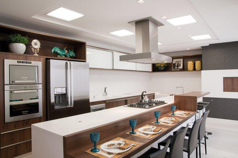 20 Cozinhas com churrasqueiras modernas  veja modelos e dicas para ter um es # Cozinha Planejada Com Churrasqueira