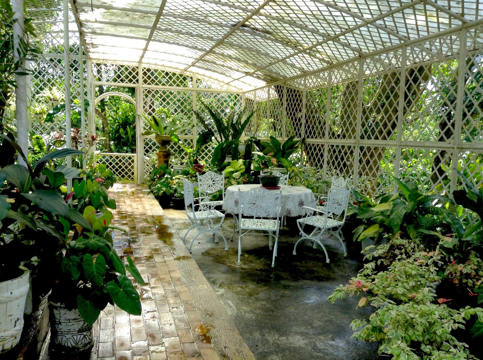 Etc events travel and cuisine a perfect weekend for Greenhouse over swimming pool