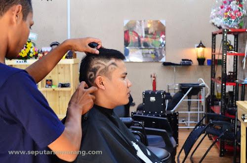 De Vintage, Barbershop & Concept Store