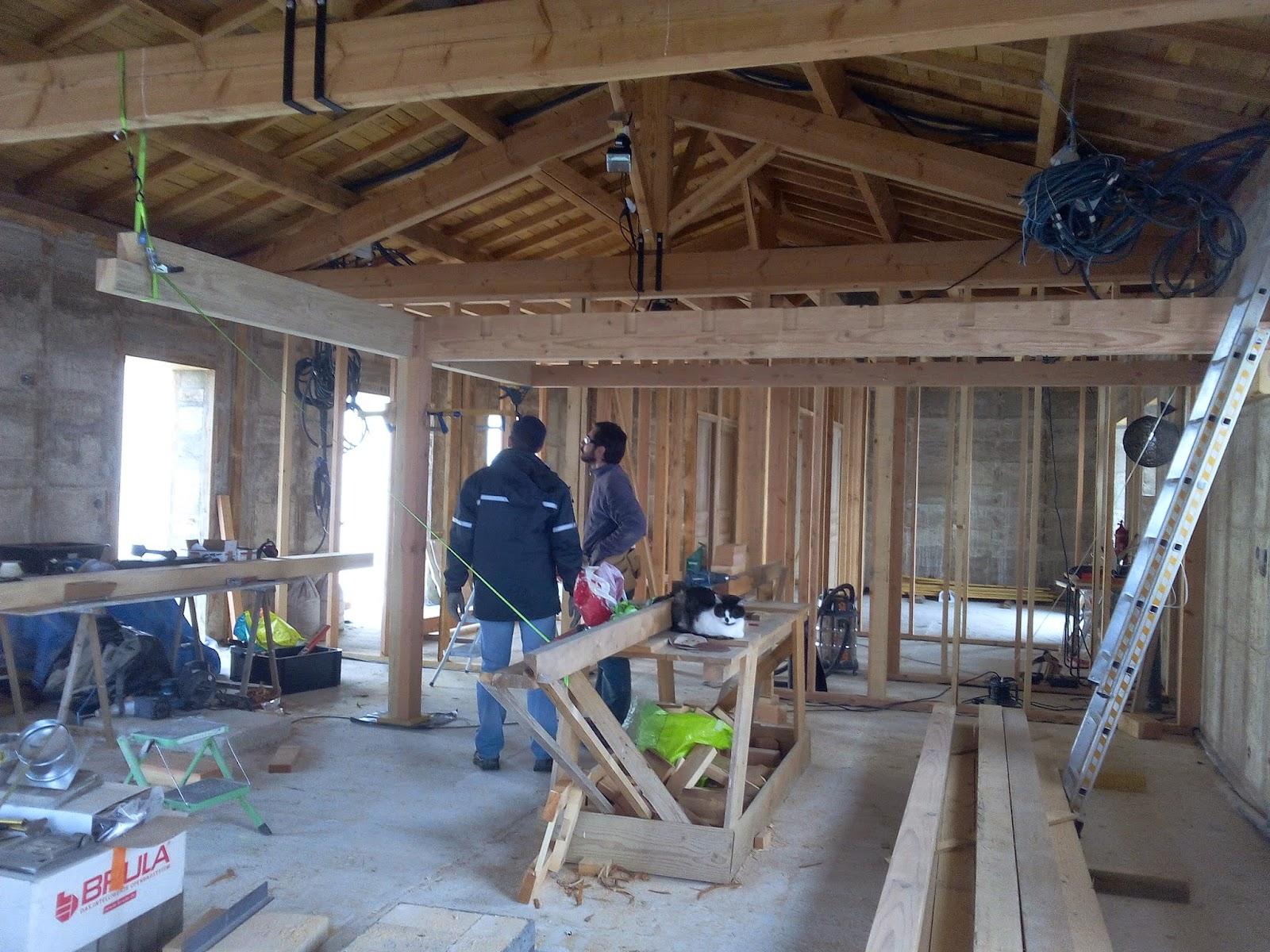 construire une mezzanine en bois interesting les deux bastaings qui se croisent au dessus du. Black Bedroom Furniture Sets. Home Design Ideas