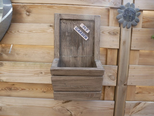 Creatief hergebruiken recycle als hobby steiger hout en pallethouten plantenbak - Keukenmeubelen hout recyclen ...