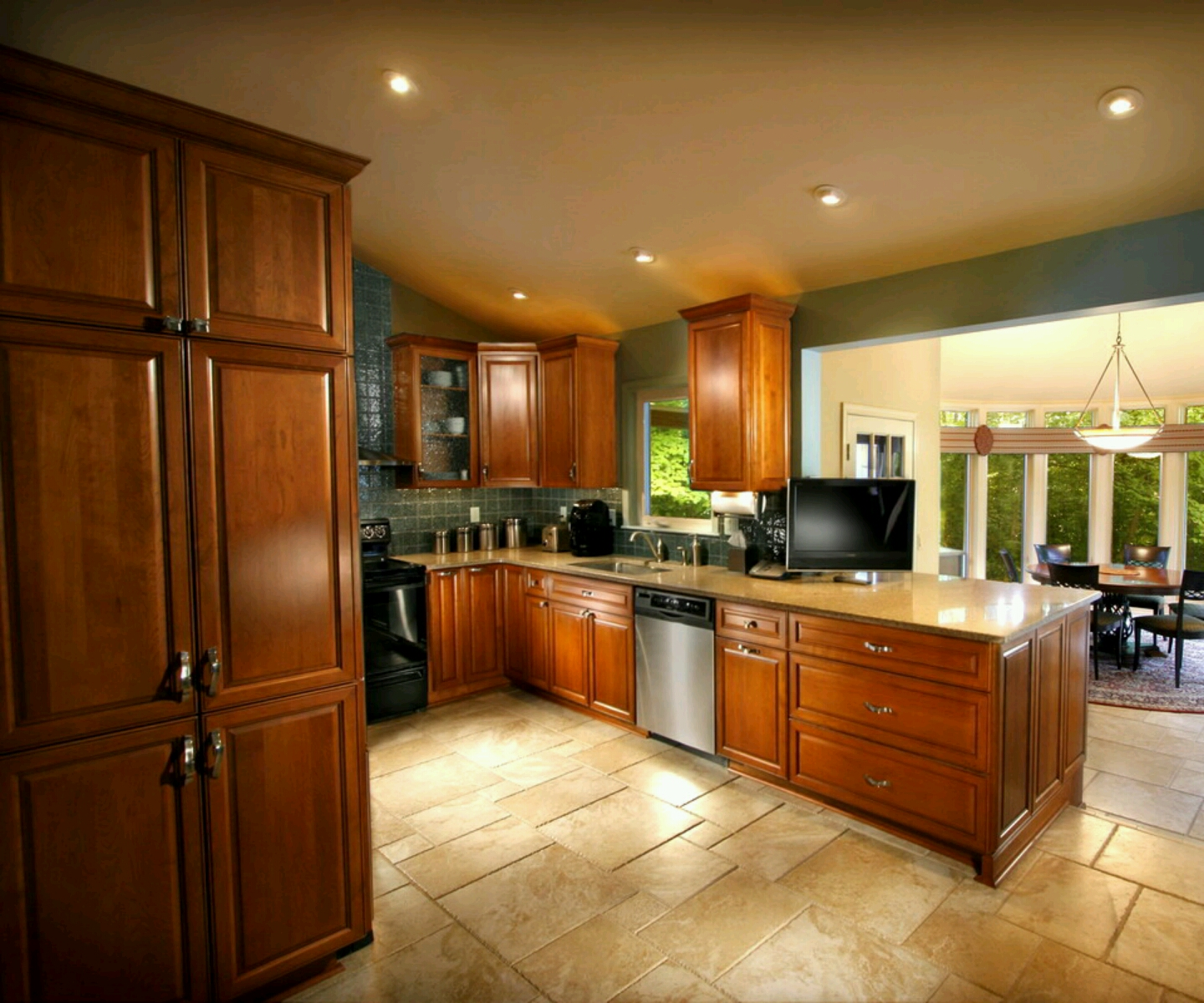 Kitchen Design Ideas with Maple Cabinets