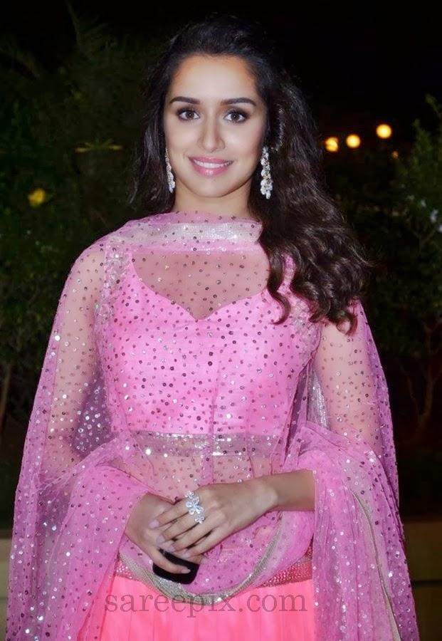 Shraddha Kapoor In Pink Lehenga At Vishesh Bhatts Wedding Reception