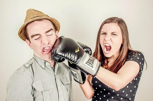 5 Sikap Buruk Pria Yang Membuat Wanita Selingkuh