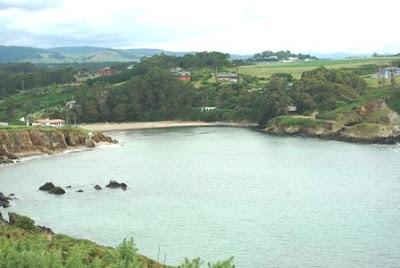 De Viavélez a Porcía, vista de la playa de Porcia