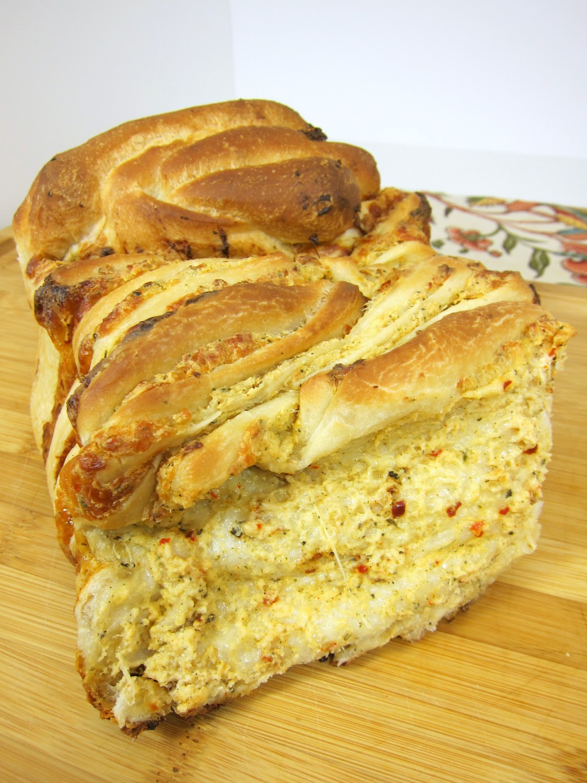 Cheesy Garlic Pull Apart Bread | The official blog of ...