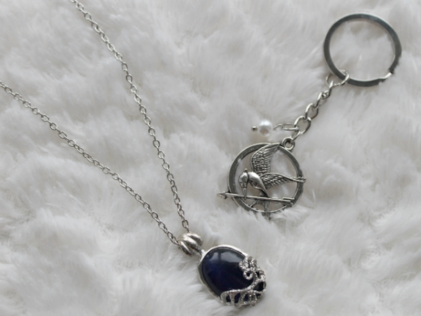 Filmjewels - Katherine Necklace & Mockingjay Keychain.