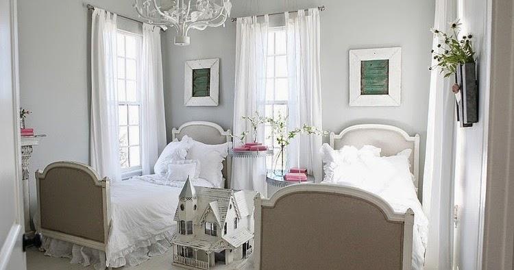 No 57 >> crunchylipstick: Farmhouse by Magnolia Homes (via homeadore.com)