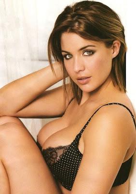 Sexy Gemma Atkinson in Bikini