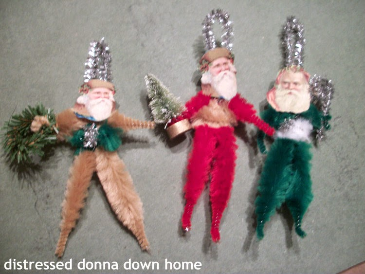 Chenille stem figures, Christmas, Old World Santas