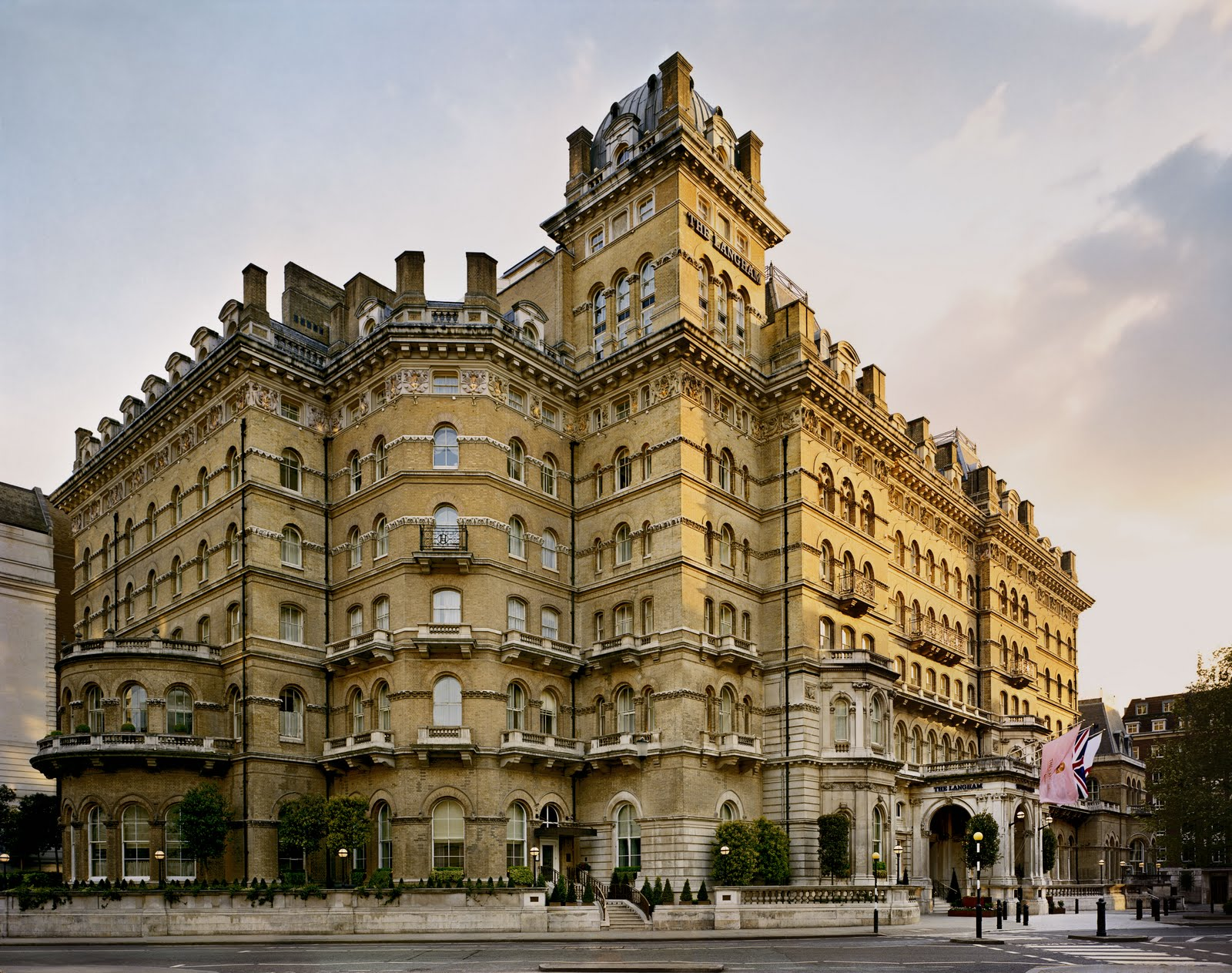 Hottest Fashion Trends And News The Langham 5 Star Hotel In London