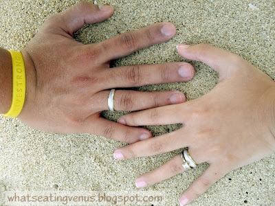 How to wear the wedding band and engagement ring, how to clean engagement ring, how to wash diamond ring