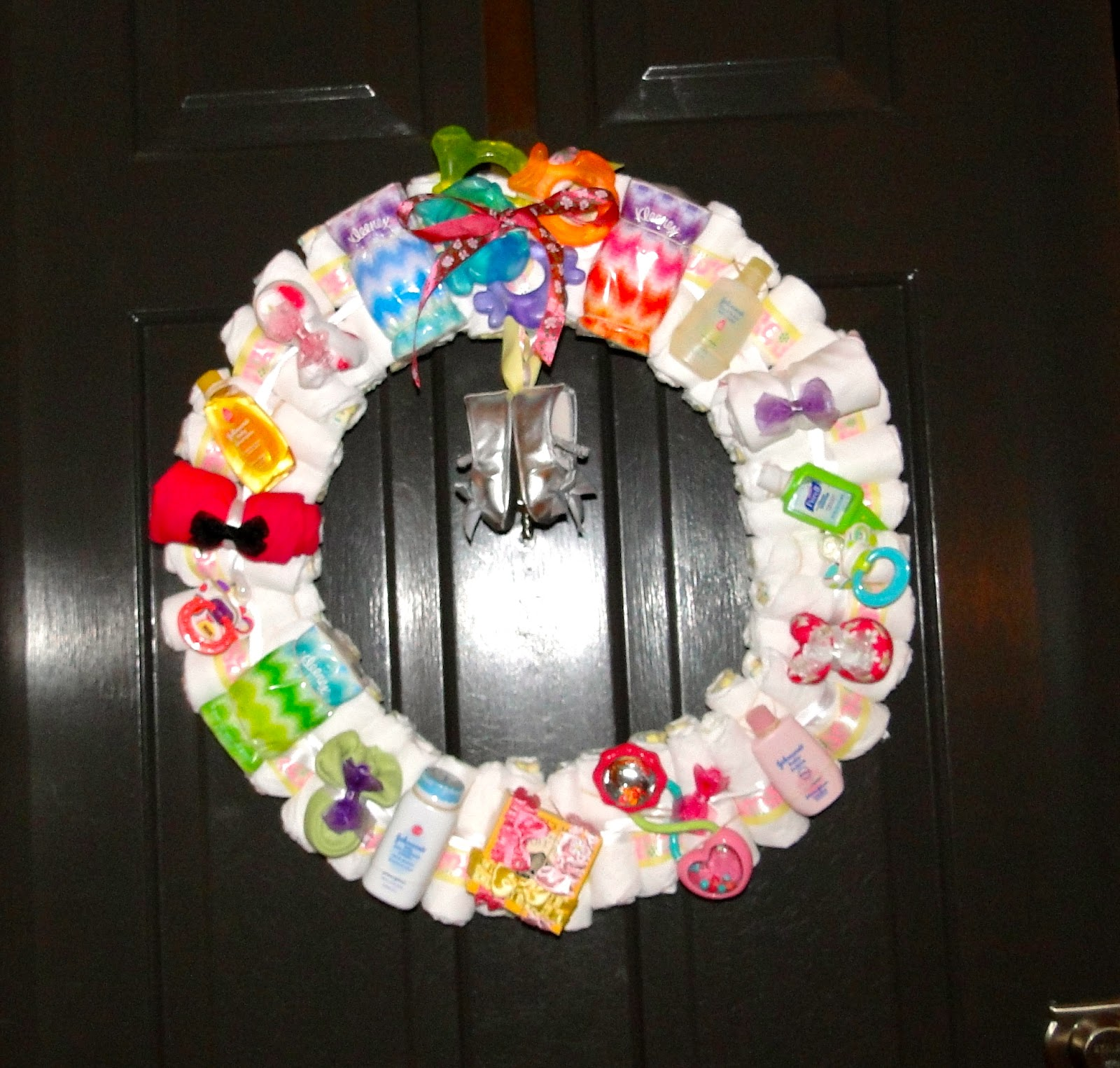 1000  ideas about Diaper Wreath on Pinterest | Diaper Cakes, Baby ...