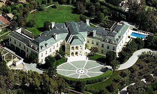 Gentil The Manor Is The Largest House In Los Angeles US. The Building Has  5248 Meter Square Floor And Stands Over 4.6 Hectares Of Land. It Has Owner  Aaron Spelling ...