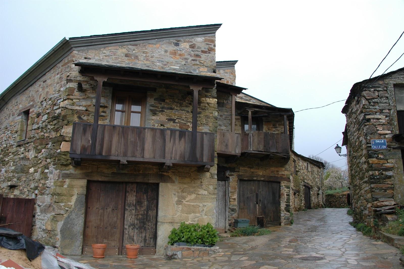Viajar por europa abril 2012 for Tejados de madera en leon