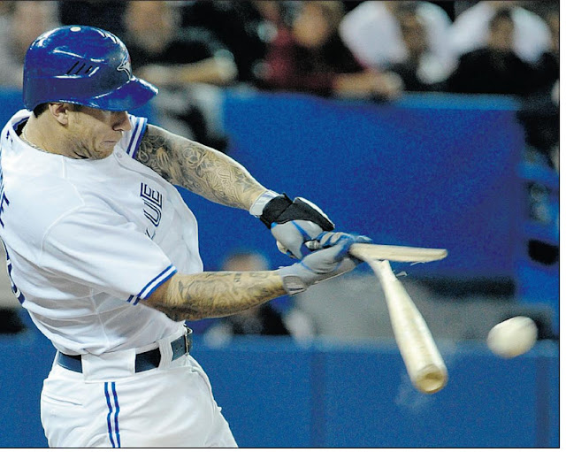 Funny baseball bat Break sports bloopers   Funny Picture Of the Day 18-05-2012   Totally Cool Pix   Big Picture   Wallpaper   sports wallpaper   bloopers   baseball   break bat bloopers   wallpaper