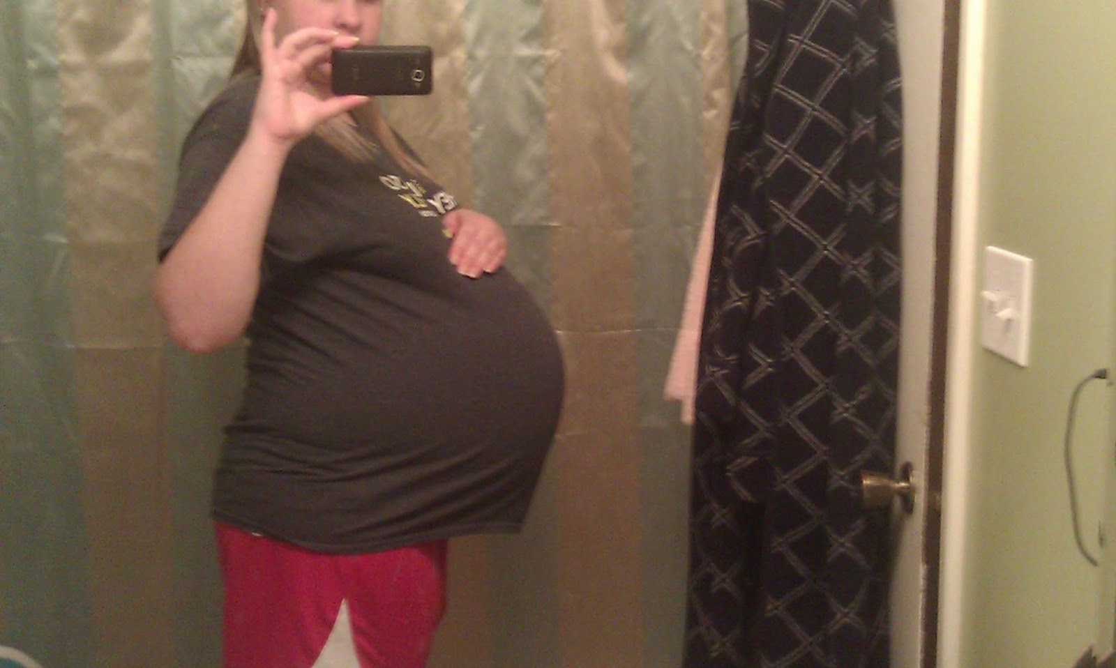29 weeks pregnant with twins - The Maternity Gallery