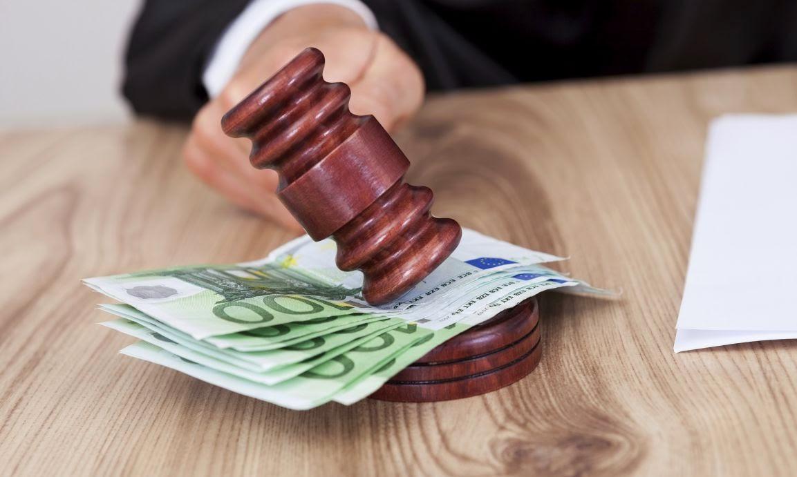 Derecho y dinero