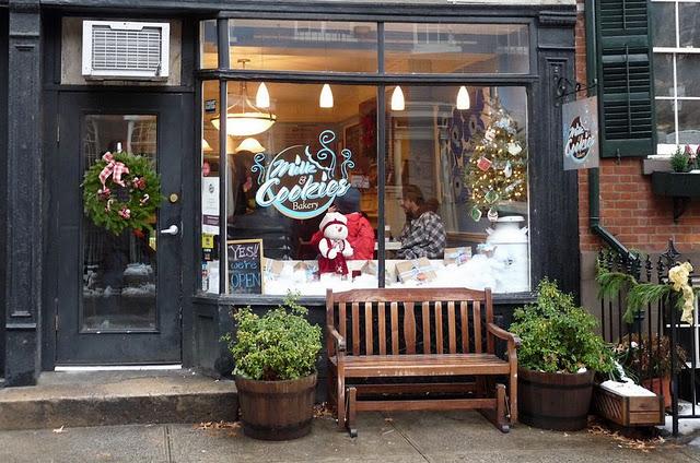Ella modern december 2011 for Classic bake house