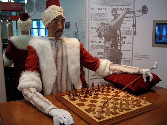 Cet automate joueur d'échecs soulevait des questions sur l'intelligence artificielle dès le XVIIIe siècle - Photo © Marcin Wichary via Wikimedia Commons