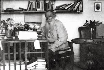 """""""Cada um viveu tanto, quanto amou."""" Leon Tolstoi"""