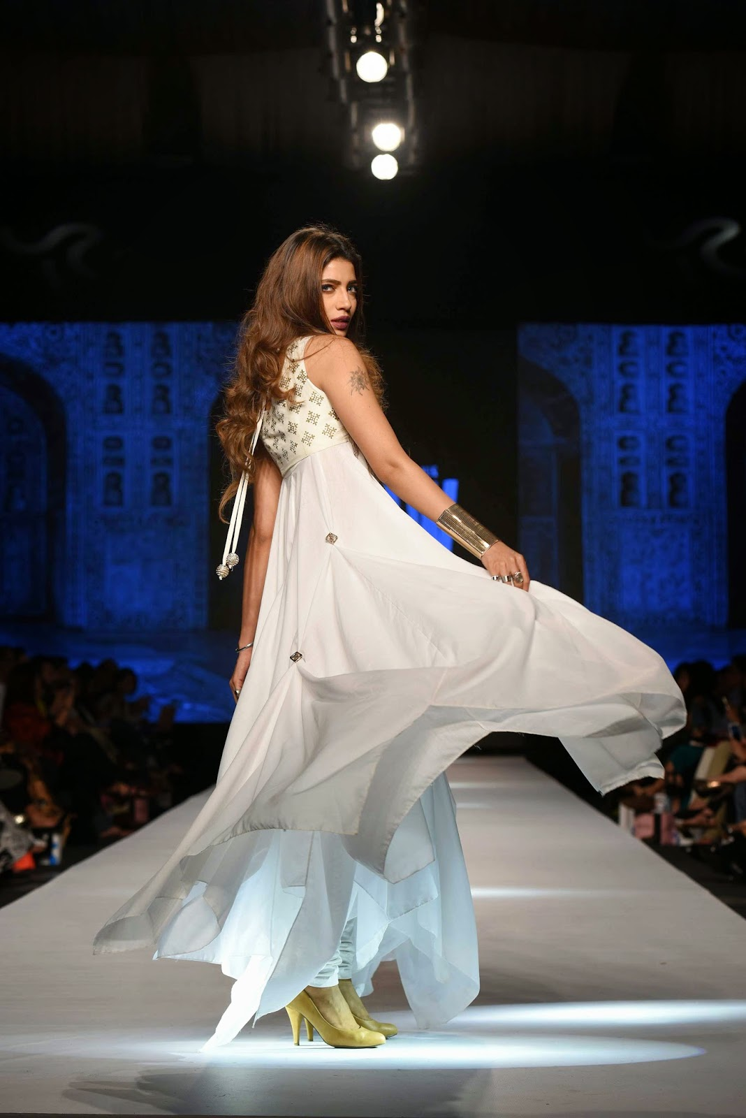 rabia butt Gul Ahmed Telenor Fashion Pakistan Week 2015